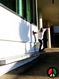 Joseph Diaz - backside nosegrind